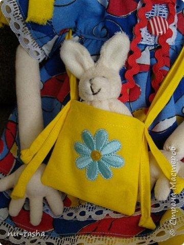 Свершилось! Наконец-то, появился важный повод- 1 год Софии- и я сшила вот такую куклу в подарок любимой девочке. Очень давно смотрела на кукол Светланы Хачиной, собиралась, да все руки не доходили.... Светлана, большое спасибо за подробные МК и поддержку при шитье.  фото 9