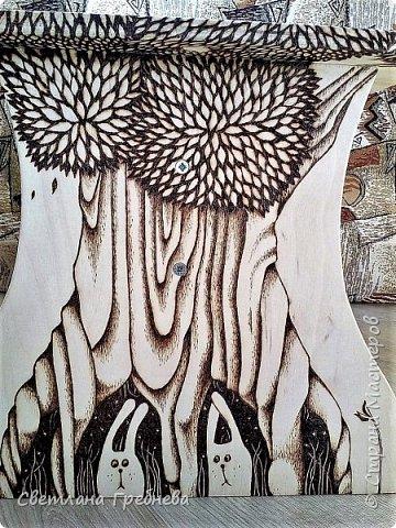 """Сын подарил табурет для дачи, сделал сам - из дерева может любой предмет мебели сотворить!!! Подарил со словами: """"Оформишь сама, ну как ты умеешь, что - нибудь эдакое"""" фото 3"""