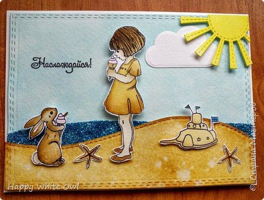 """Всем привет! Сегодня хочу поделиться с Вами серией открыток на тему """"Наслаждайся"""". А наслаждаться можно разным: жизнью, детством, летом. Хотелось вложить в них лёгкость и беззаботность. В работе использовала китайские штампы с детками и китайские ножи. Раскрашивала distress чернилами. фото 3"""
