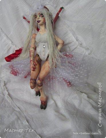 """Пока несколько работ из тех, что я назвал """"кукольные куклости"""", т.е. вещи для кукол.  Тут Аринар позирует в клетчатом свитшоте.  фото 7"""