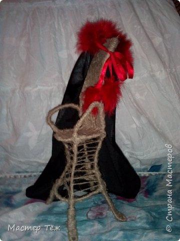 """Пока несколько работ из тех, что я назвал """"кукольные куклости"""", т.е. вещи для кукол.  Тут Аринар позирует в клетчатом свитшоте.  фото 6"""