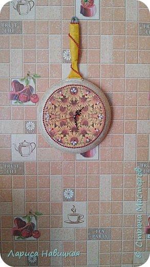 Сделала себе на кухню часы с помощью отслужившей свой сковородный век когда то дорогущей сковороды. Пусть теперь поработает часами. фото 7