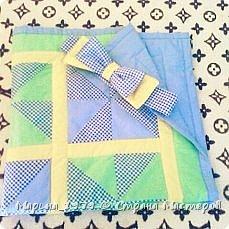 Добрый день всем мастерам и мастерицам! выставляю на Ваш суд свое первое одеяло в стиле лоскутного шитья. Размер одеяла 90х90 см, 1 слой синтепона, отечественная бязь. Бант на фото не до шит, впоследствии вставила широкую резинку.  фото 4