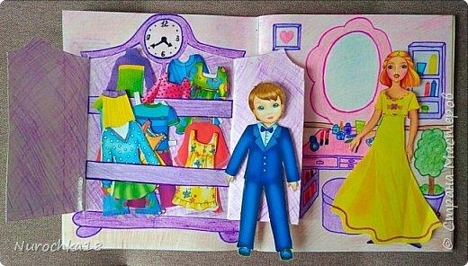 Доброго времени суток! Вот решила поделиться с вами своим видением бумажного кукольного домика, результатом своего труда. Этот бумажный домик был мною сделан для моей крестницы. Уж очень много у неё накопилось бумажных кукол :) фото 9