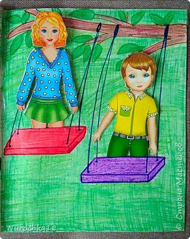 Доброго времени суток! Вот решила поделиться с вами своим видением бумажного кукольного домика, результатом своего труда. Этот бумажный домик был мною сделан для моей крестницы. Уж очень много у неё накопилось бумажных кукол :) фото 22