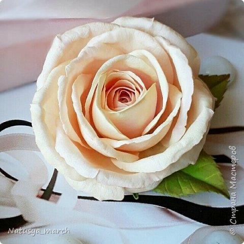 Брошь с розой из фоамирана фото 1