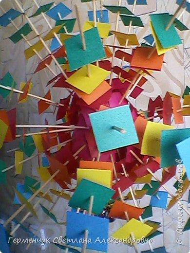 Такой подвеской - мандалой      можно украсить помещение  для праздника  .На фото  видны колокольчики   внизу подвески  ( фото № 6, 8)   фото 13
