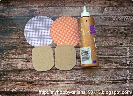 """Всем привет!!! А я снова вернулась ))).Сегодня покажу Вам """"Мини-МК Магнитов"""" на холодильник,который я сделала для нашего бложика Art Land. Вот такие круглые магнитики я сделала (можно их делать любой формы,прямоугольные,квадратики,звездочки,сердечки ....), размер их 12 см (в диаметре). В работе использовала нашу бумагу из новой коллекции """"Мои вкусняшки"""", а также фишки и высечки. фото 4"""
