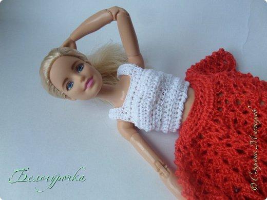 Появилась у меня(уже давно, кстати) милая куколка из серии йог - ну не могла же я пройти мимо! Назвалась она ни больше ни меньше Софьей Новицкой и попросила(да что там - приказала!) срочно сшить ей наряд, а лучше нарядЫ. Я не смогла отказать и сваяла это розовое одеяние. Получилась такая вот розовая мармеладочка:) фото 5
