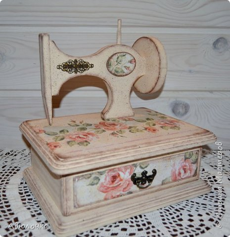 Комод-швейная машинка. фото 3