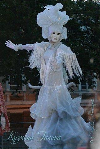 Я уже рассказывала( http://stranamasterov.ru/node/1002476 ),что в начале июня в Воронеже состоялся Платоновский фестиваль,и в рамках фестиваля по главной улице города прошёл парад уличных театров. В этом году впервые парад был после заката. фото 17