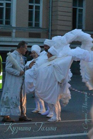 Я уже рассказывала( http://stranamasterov.ru/node/1002476 ),что в начале июня в Воронеже состоялся Платоновский фестиваль,и в рамках фестиваля по главной улице города прошёл парад уличных театров. В этом году впервые парад был после заката. фото 26