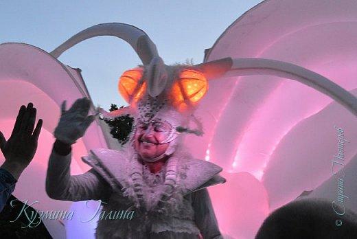 Я уже рассказывала( http://stranamasterov.ru/node/1002476 ),что в начале июня в Воронеже состоялся Платоновский фестиваль,и в рамках фестиваля по главной улице города прошёл парад уличных театров. В этом году впервые парад был после заката. фото 8