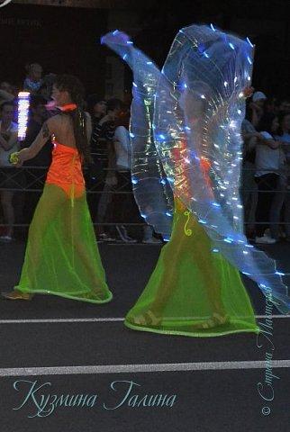 Я уже рассказывала( http://stranamasterov.ru/node/1002476 ),что в начале июня в Воронеже состоялся Платоновский фестиваль,и в рамках фестиваля по главной улице города прошёл парад уличных театров. В этом году впервые парад был после заката. фото 22