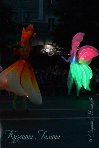 Я уже рассказывала( http://stranamasterov.ru/node/1002476 ),что в начале июня в Воронеже состоялся Платоновский фестиваль,и в рамках фестиваля по главной улице города прошёл парад уличных театров. В этом году впервые парад был после заката. фото 9
