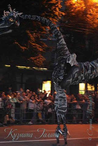 Я уже рассказывала( http://stranamasterov.ru/node/1002476 ),что в начале июня в Воронеже состоялся Платоновский фестиваль,и в рамках фестиваля по главной улице города прошёл парад уличных театров. В этом году впервые парад был после заката. фото 28