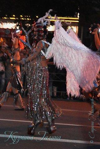 Я уже рассказывала( http://stranamasterov.ru/node/1002476 ),что в начале июня в Воронеже состоялся Платоновский фестиваль,и в рамках фестиваля по главной улице города прошёл парад уличных театров. В этом году впервые парад был после заката. фото 16