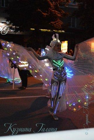 Я уже рассказывала( http://stranamasterov.ru/node/1002476 ),что в начале июня в Воронеже состоялся Платоновский фестиваль,и в рамках фестиваля по главной улице города прошёл парад уличных театров. В этом году впервые парад был после заката. фото 23