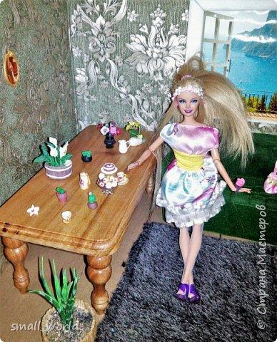 Всем приветик!Мы решили поучаствовать в конкурсе Мисс Июнь. ( http://stranamasterov.ru/node/1099857?tid=675 ) И так ... Ирис ей 27 лет она выращивает цветы, и в свободное время рисует.  фото 5