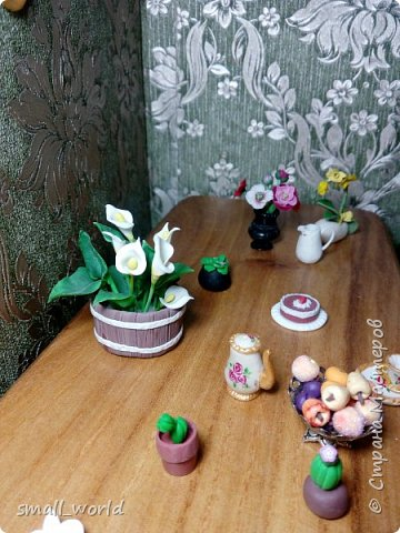 Всем приветик!Мы решили поучаствовать в конкурсе Мисс Июнь. ( http://stranamasterov.ru/node/1099857?tid=675 ) И так ... Ирис ей 27 лет она выращивает цветы, и в свободное время рисует.  фото 9