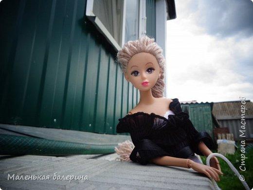 """И всем привет,сегодня я выставляю работу на конкурс """"Мисс Июнь"""" Биография куклы:Меня зовут Настя , мне 17 лет ,занимаюсь я рисованием , учусь в институте,люблю гулять по парку.                           А сейчас фотосессия   фото 1"""