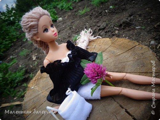 """И всем привет,сегодня я выставляю работу на конкурс """"Мисс Июнь"""" Биография куклы:Меня зовут Настя , мне 17 лет ,занимаюсь я рисованием , учусь в институте,люблю гулять по парку.                           А сейчас фотосессия   фото 2"""