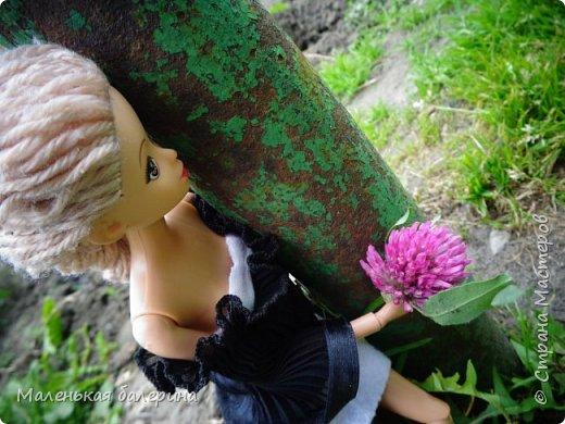 """И всем привет,сегодня я выставляю работу на конкурс """"Мисс Июнь"""" Биография куклы:Меня зовут Настя , мне 17 лет ,занимаюсь я рисованием , учусь в институте,люблю гулять по парку.                           А сейчас фотосессия   фото 4"""