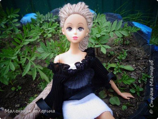 """И всем привет,сегодня я выставляю работу на конкурс """"Мисс Июнь"""" Биография куклы:Меня зовут Настя , мне 17 лет ,занимаюсь я рисованием , учусь в институте,люблю гулять по парку.                           А сейчас фотосессия   фото 6"""