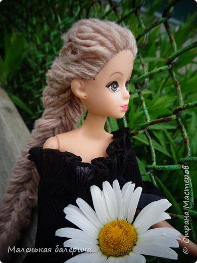 """И всем привет,сегодня я выставляю работу на конкурс """"Мисс Июнь"""" Биография куклы:Меня зовут Настя , мне 17 лет ,занимаюсь я рисованием , учусь в институте,люблю гулять по парку.                           А сейчас фотосессия   фото 11"""