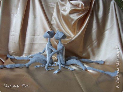 Я часто делаю просто заготовки для кукол, т.к. не всегда их образ подходит для моей работы. К примеру этих парней я сделал аж 4х, один остался у меня и стал Грином, прочие нашли приют у других. фото 13