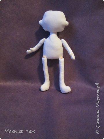 Я часто делаю просто заготовки для кукол, т.к. не всегда их образ подходит для моей работы. К примеру этих парней я сделал аж 4х, один остался у меня и стал Грином, прочие нашли приют у других. фото 2