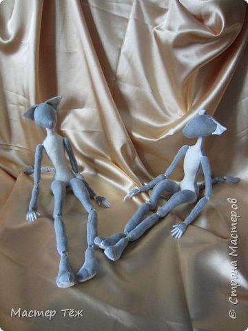 Я часто делаю просто заготовки для кукол, т.к. не всегда их образ подходит для моей работы. К примеру этих парней я сделал аж 4х, один остался у меня и стал Грином, прочие нашли приют у других. фото 11