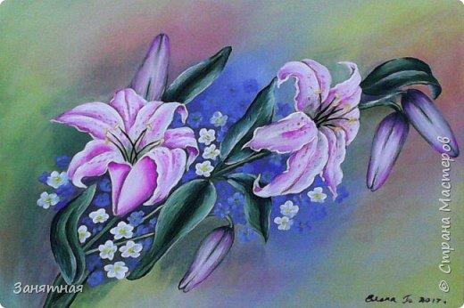 Приветик всем, давненько что-то я ничего не показывала что у меня сотворилось. Вот попыталась изобразить орхидеи с каллами, не знаю насколько похожи орхидеи, но каллы вроде похожи. Муж говорит что мои орхидеи больше похожи на бабочек. Размер 40 на 60см, очень понравилось рисовать цветы на большом формате. фото 4