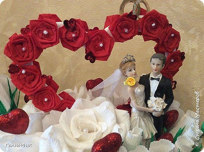 """Всем жителям прекрасной страны добрый вечер!!! В субботу у племяшки свадьба, считаю, что к конвертику, должно быть что-то еще, не забываемое и приятное... поэтому решила сделать """"свадебную корзину""""... опыта совсем не имею, поэтому косяков много, но.... уж теперь как есть.... фото 8"""