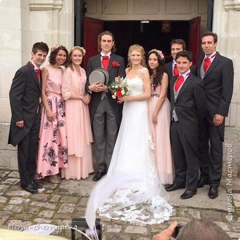 Заказали три одинаковых веночка для подружек невесты, потом прислали фото-оказалось, что свадьба была во Франции. Не скрою,очень приятно,для меня был неожиданный сюрприз ))) фото 1