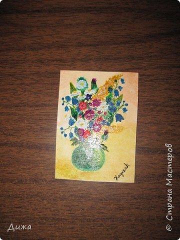 """Всем огромный приветик! По просьбе многих мастеров хочу представиться. Меня зовут Хадижа. Представляю вам АТС карточки """"БУКЕТ"""" Это маленькие картины. Нарисовала акварельными красками и гуашью. Честно хочу признаться, немного помогала моя мама :-) Толщина карточки 1 мм. Мама покрасила лаком, чтобы защитить от воды (всё таки это акварельные краски). На всех проставила свой автограф. Фото без вспышки  Забыла сказать, что я должна АТС карточку  мастерице Фасинасьён (Татьяна) и  p_olya71 (Ольга). Если можно, пускай они выберут первыми, если им понравиться. фото 12"""