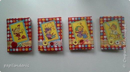 """Здравствуйте. Давно хотела сделать карманную игру """"крестики-нолики"""". Спасибо Оксане, что организовала совместник по АТСкам. В качестве первого этапа у меня получились вот такие книжечки-игрушки.  Сделала их аж 12 штук. Семь обменяю в совместнике, одну оставлю себе, остальные раздарю знакомым детишкам. Ну что, ать-два? :-) фото 30"""