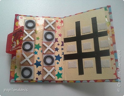 """Здравствуйте. Давно хотела сделать карманную игру """"крестики-нолики"""". Спасибо Оксане, что организовала совместник по АТСкам. В качестве первого этапа у меня получились вот такие книжечки-игрушки.  Сделала их аж 12 штук. Семь обменяю в совместнике, одну оставлю себе, остальные раздарю знакомым детишкам. Ну что, ать-два? :-) фото 16"""
