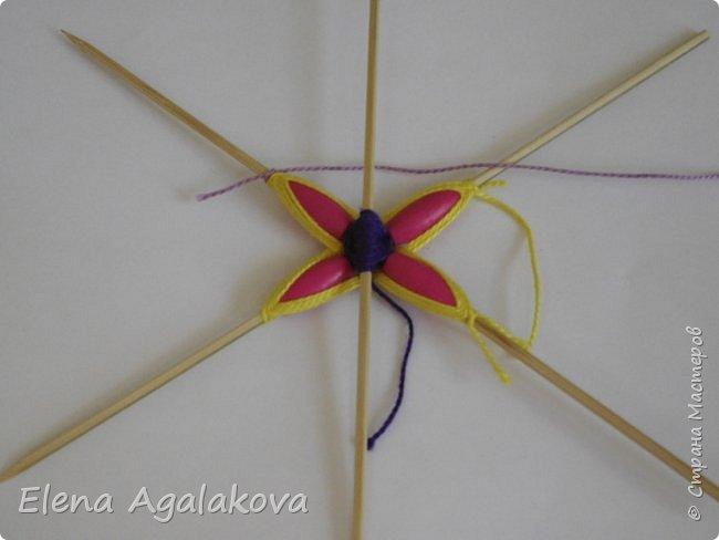 Хочу показать плетение Мандалы-Бабочки. Это достаточно простое плетение, которое несложно освоить.  Бабочка — символ души, бессмертия, возрождения и воскресения, способности к превращениям, к трансформации, символ жизни, любви и счастья. Бабочки очень гранциозные создания! Эта мандала украсит ваш дом и будет радовать вас в любое время года! фото 15