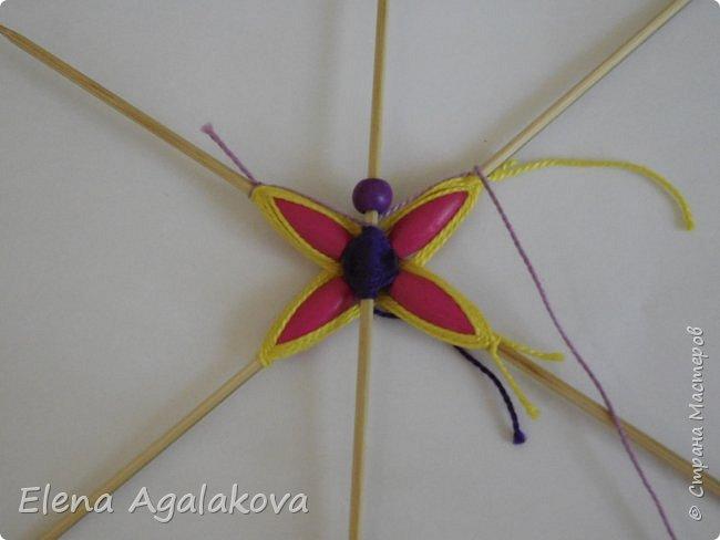 Хочу показать плетение Мандалы-Бабочки. Это достаточно простое плетение, которое несложно освоить.  Бабочка — символ души, бессмертия, возрождения и воскресения, способности к превращениям, к трансформации, символ жизни, любви и счастья. Бабочки очень гранциозные создания! Эта мандала украсит ваш дом и будет радовать вас в любое время года! фото 16
