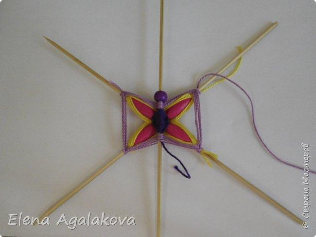 Хочу показать плетение Мандалы-Бабочки. Это достаточно простое плетение, которое несложно освоить.  Бабочка — символ души, бессмертия, возрождения и воскресения, способности к превращениям, к трансформации, символ жизни, любви и счастья. Бабочки очень гранциозные создания! Эта мандала украсит ваш дом и будет радовать вас в любое время года! фото 17