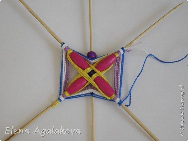 Хочу показать плетение Мандалы-Бабочки. Это достаточно простое плетение, которое несложно освоить.  Бабочка — символ души, бессмертия, возрождения и воскресения, способности к превращениям, к трансформации, символ жизни, любви и счастья. Бабочки очень гранциозные создания! Эта мандала украсит ваш дом и будет радовать вас в любое время года! фото 20