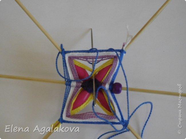 Хочу показать плетение Мандалы-Бабочки. Это достаточно простое плетение, которое несложно освоить.  Бабочка — символ души, бессмертия, возрождения и воскресения, способности к превращениям, к трансформации, символ жизни, любви и счастья. Бабочки очень гранциозные создания! Эта мандала украсит ваш дом и будет радовать вас в любое время года! фото 21