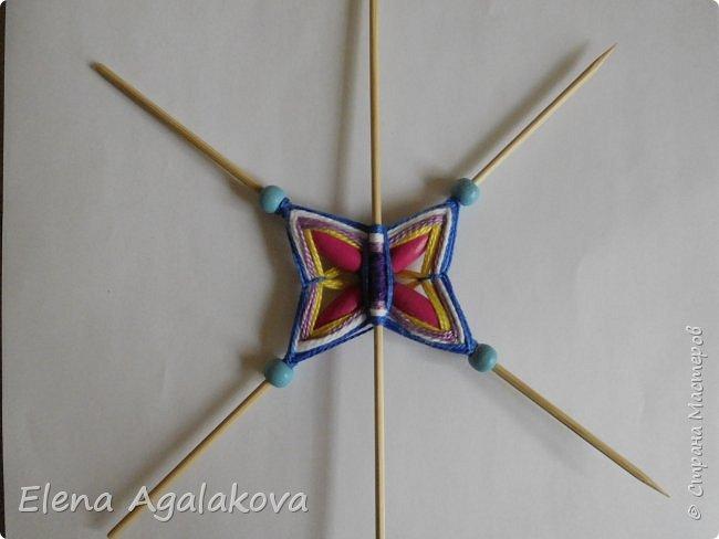 Хочу показать плетение Мандалы-Бабочки. Это достаточно простое плетение, которое несложно освоить.  Бабочка — символ души, бессмертия, возрождения и воскресения, способности к превращениям, к трансформации, символ жизни, любви и счастья. Бабочки очень гранциозные создания! Эта мандала украсит ваш дом и будет радовать вас в любое время года! фото 28