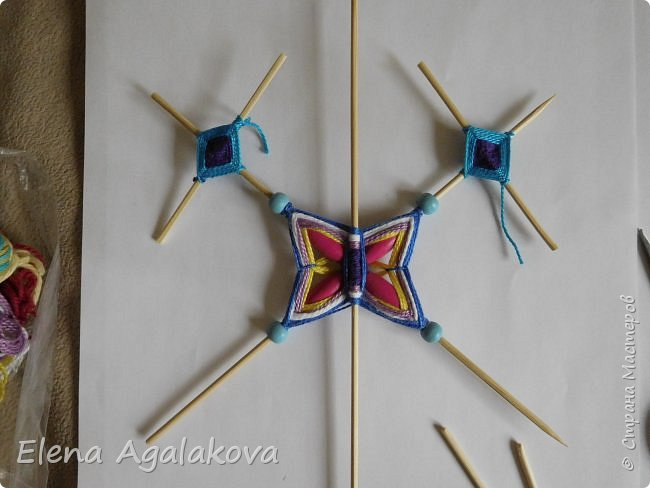 Хочу показать плетение Мандалы-Бабочки. Это достаточно простое плетение, которое несложно освоить.  Бабочка — символ души, бессмертия, возрождения и воскресения, способности к превращениям, к трансформации, символ жизни, любви и счастья. Бабочки очень гранциозные создания! Эта мандала украсит ваш дом и будет радовать вас в любое время года! фото 32