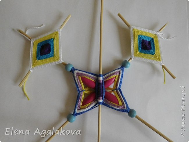 Хочу показать плетение Мандалы-Бабочки. Это достаточно простое плетение, которое несложно освоить.  Бабочка — символ души, бессмертия, возрождения и воскресения, способности к превращениям, к трансформации, символ жизни, любви и счастья. Бабочки очень гранциозные создания! Эта мандала украсит ваш дом и будет радовать вас в любое время года! фото 34