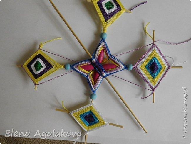 Хочу показать плетение Мандалы-Бабочки. Это достаточно простое плетение, которое несложно освоить.  Бабочка — символ души, бессмертия, возрождения и воскресения, способности к превращениям, к трансформации, символ жизни, любви и счастья. Бабочки очень гранциозные создания! Эта мандала украсит ваш дом и будет радовать вас в любое время года! фото 40