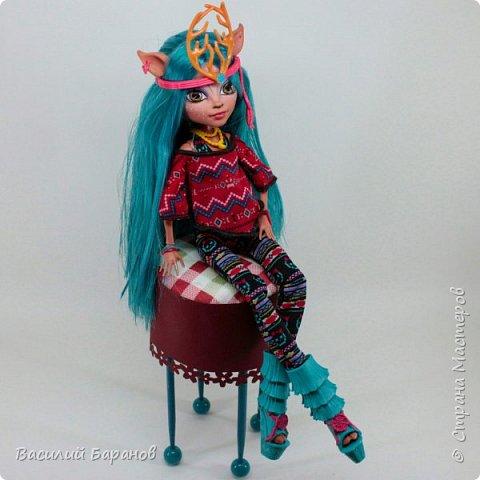 Высокий табурет для куклы «Монстер Хай»