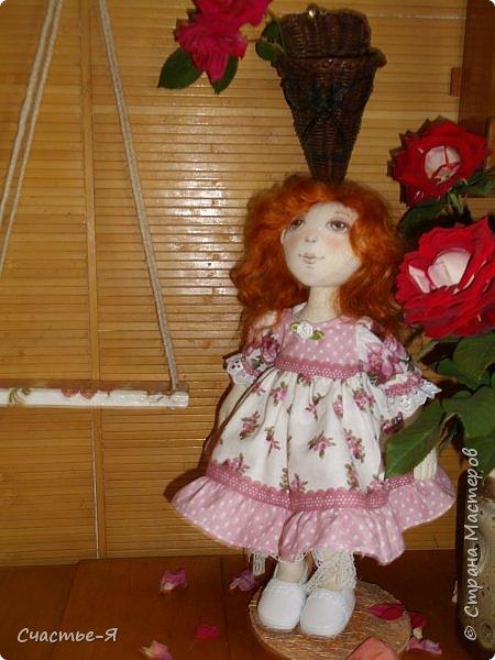 Привет,Страна! Хочу показать свою новую девочку. Знакомьтесь- Варенька.  Текстильная кукла. Выкройка моя .  Голова поворачивается, ножки сгибаются. Роспись лица акрил и пастель .Волосы - локоны ангорской козочки. фото 4
