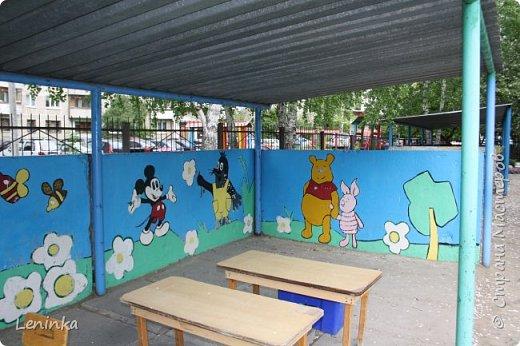 Вот наступило лето и я опять ремонтирую очередные веранды в детском саду.  Очень люблю наши советские мультики. Вот что у меня получилось. Картинки я срисовывала.Краски акриловые в конце работы все покрыла лаком. Строго не судите я не художник. фото 15